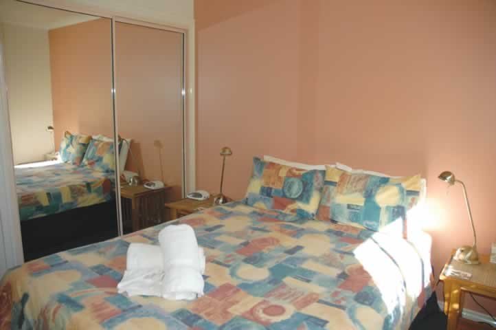 bermagui accommodation Main bedroom Townhouse 2
