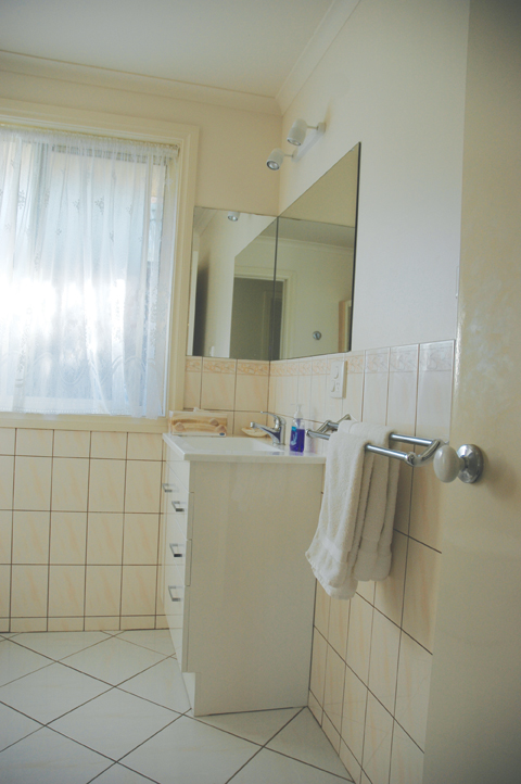 bermagui accommmodation T2 bathroom townhouse-unit